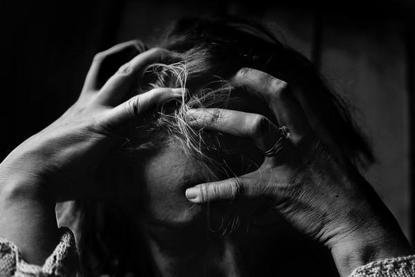 「頭皮の色で頭皮トラブルの原因がわかる?症状と対処法もあわせて解説!」